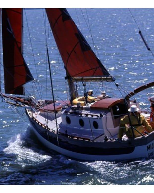 the-falmouth-22-cutter-a-surprisingly-small-cruising-sailboat