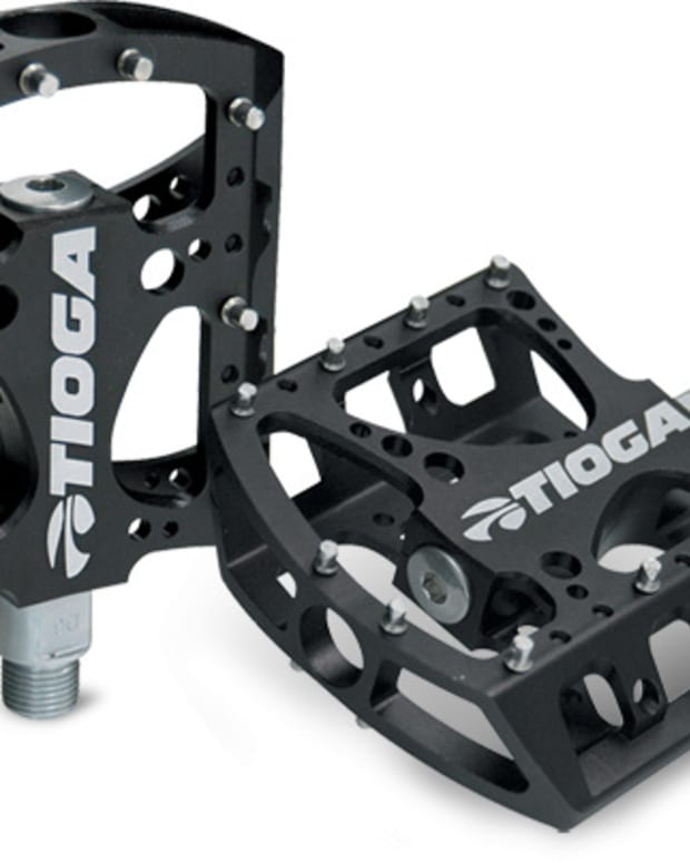 top-5-mid-priced-mountain-bike-platfrom-pedals