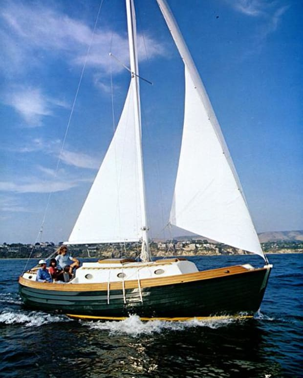 norsea-27-a-small-cruising-sailboat-legend-and-you-can-put-it-on-a-trailer