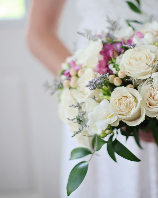 how-to-make-your-own-wedding-bouquets
