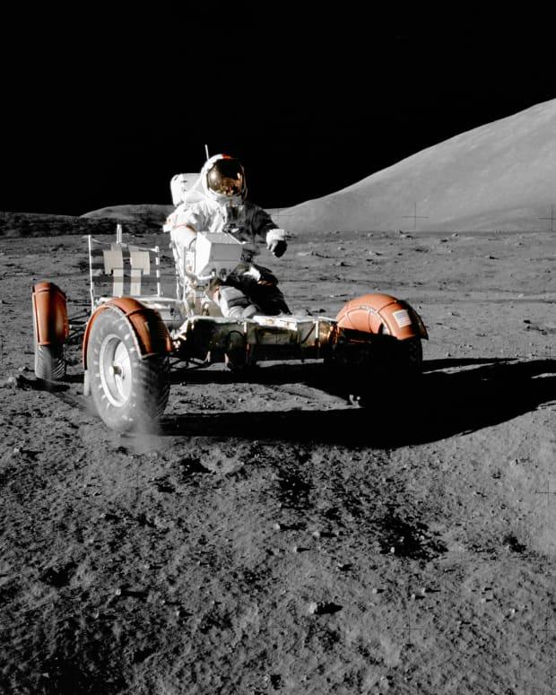 space-exploration-advantages-vs-disadvantages