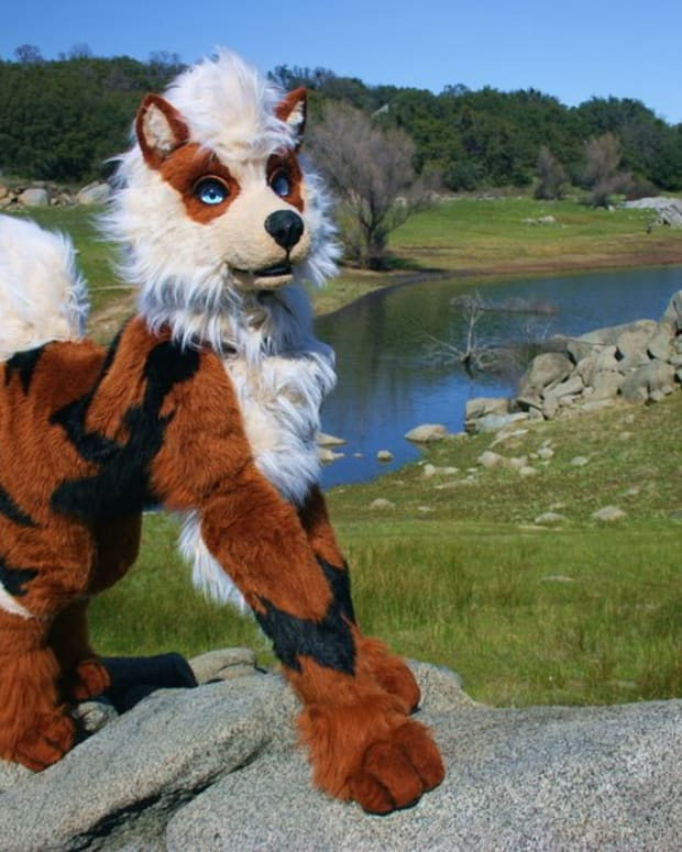 quadsuits-fursuits-and-gijinkas
