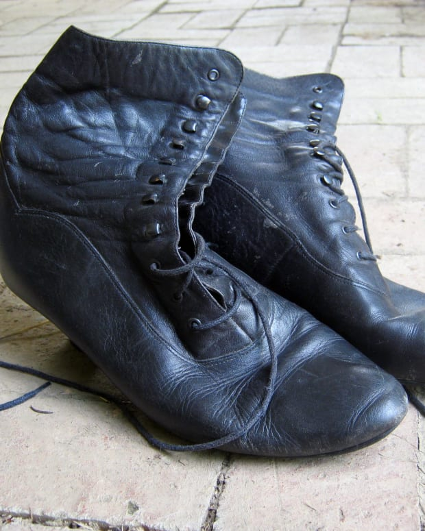 historyofshoes19thand20thcenturywomensfootwear