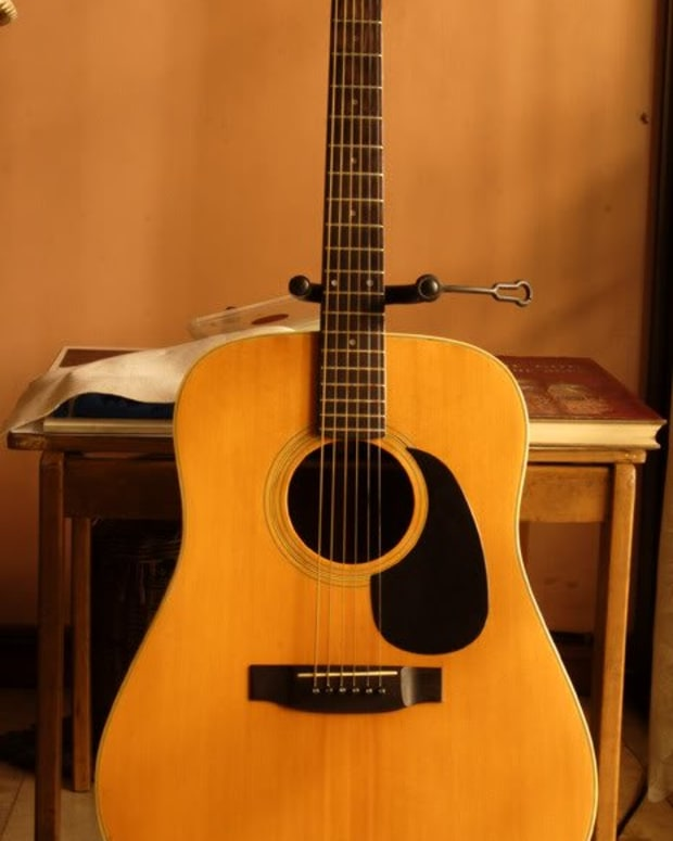 yamaki-acoustic-guitars