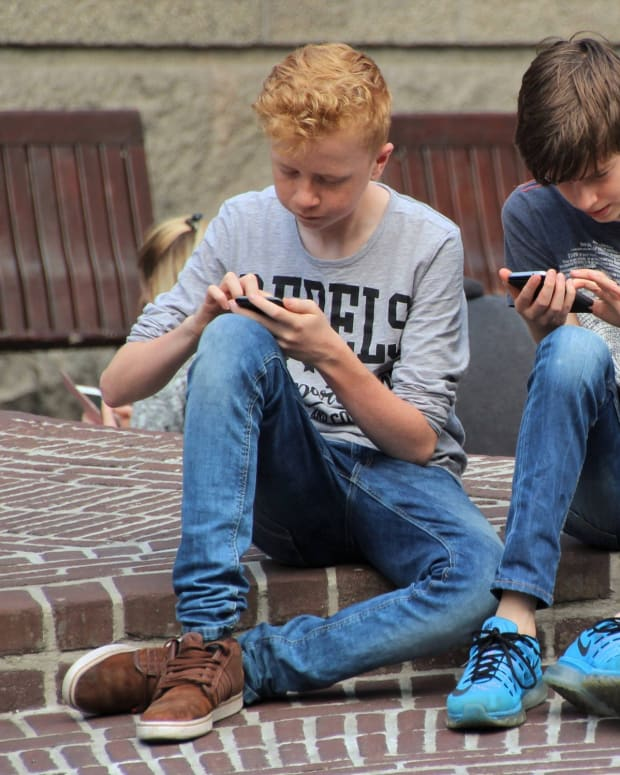 3-ways-kids-outsmart-parents-when-their-cell-phone-is-taken-away