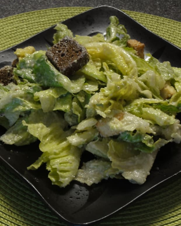 delicious-ceasar-salad-dressing