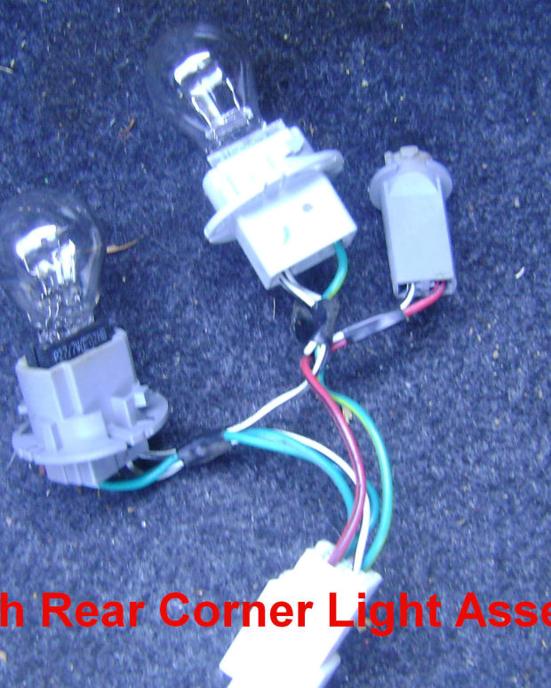 toyota-camry-light-bulb-replacement-1997-2001