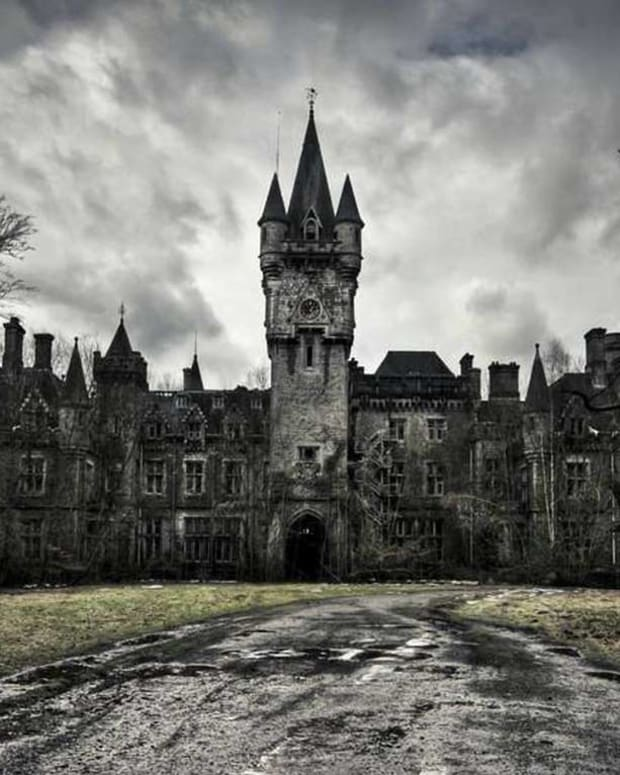 ten-best-haunted-house-movies