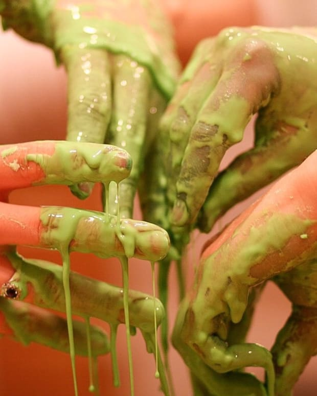 an-oobleck-recipe-and-fun-experiments-with-a-non-newtonian-fluid