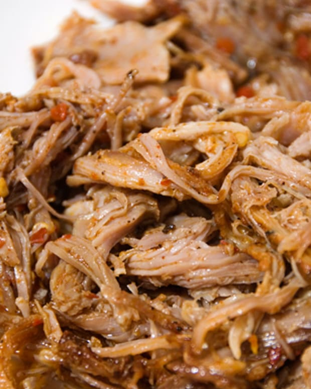 east-carolina-style-pulled-pork-sandwich-recipe