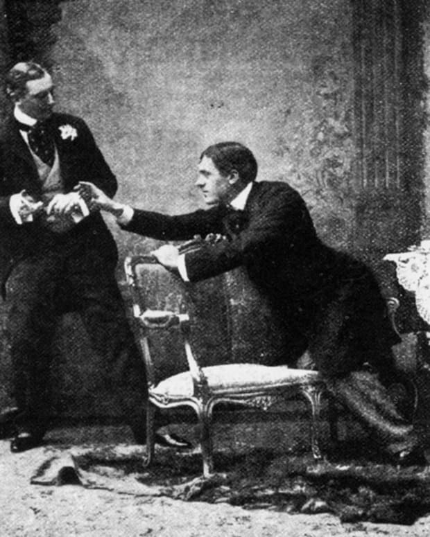 the-importance-of-being-earnest-literary-analysis