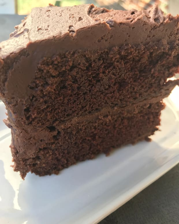 easy-chocolate-fudge-cake-recipe