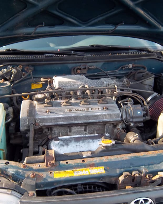 how-to-change-the-oil-in-a-1994-toyota-corolla-step-by-step-with-pictures
