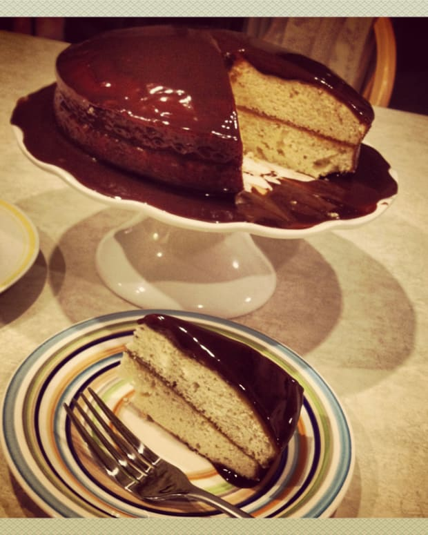 old-fashioned-coffee-cake-with-chocolate-icing