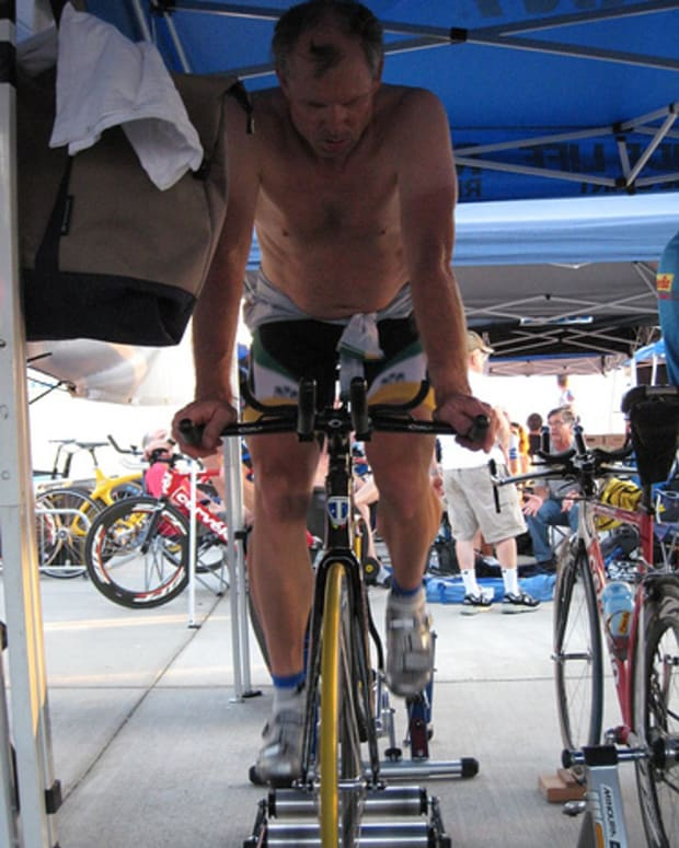 how-to-ride-indoor-bicycling-training-rollers