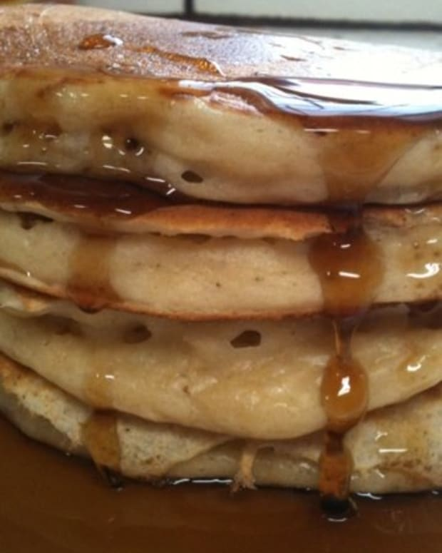 easy-pancake-recipe-secret-to-a-fluffy-whole-wheat-pancakes