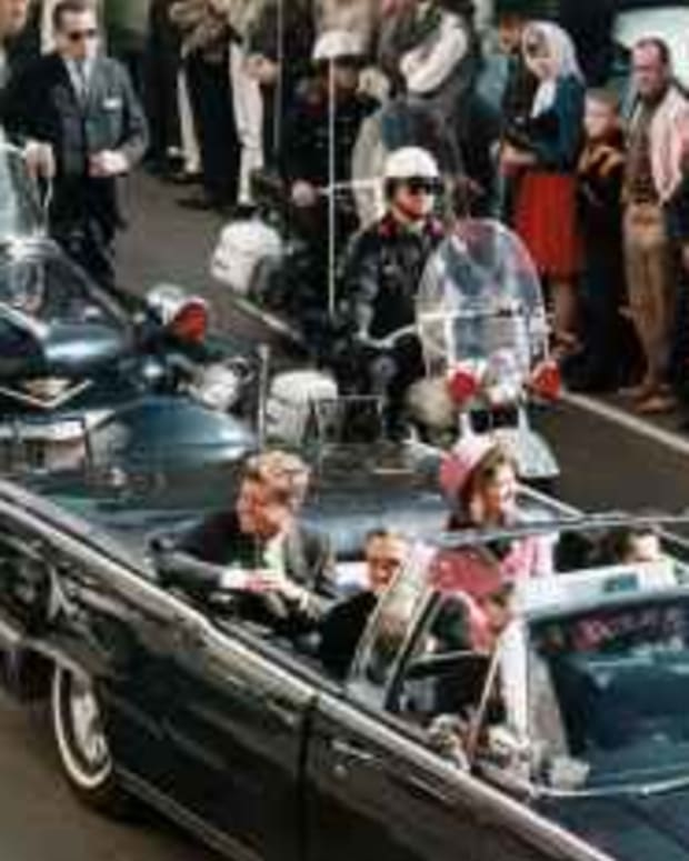 The Kennedy Car That Fateful Day In Dallas