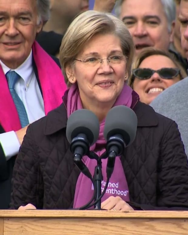 despite-a-fiery-fan-base-elizabeth-warren-isnt-massachusetts-favorite