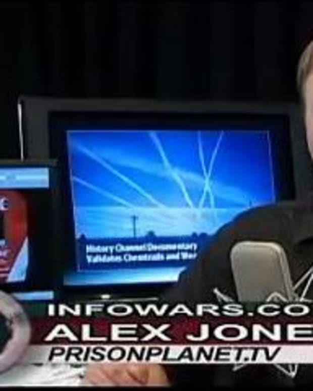 the-bizarre-conspiracy-world-of-alex-jones