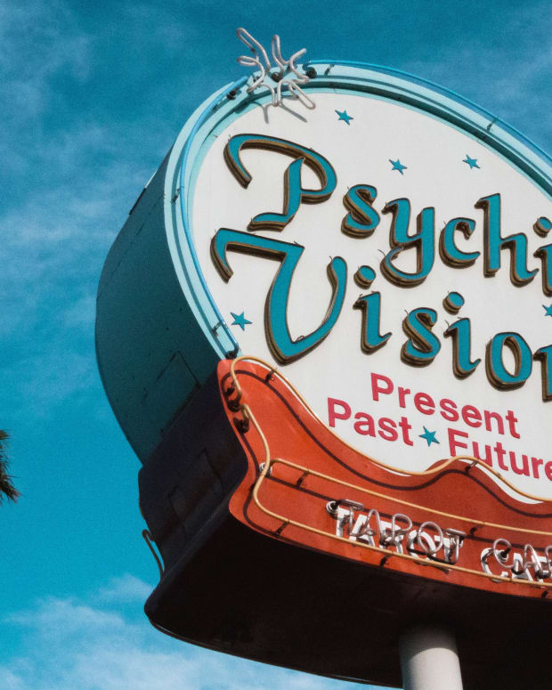 13-things-fake-psychics-say