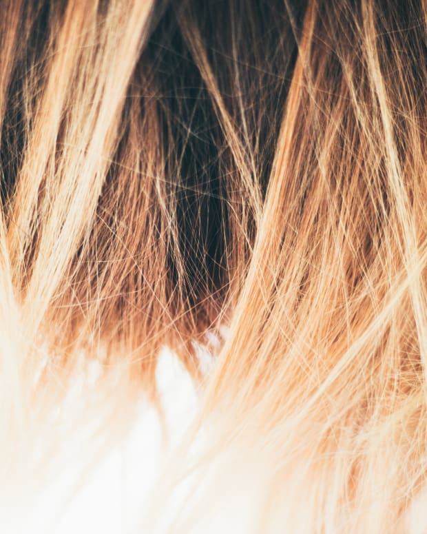 how-to-ruin-a-perfectly-good-evening-by-highlighting-your-own-hair