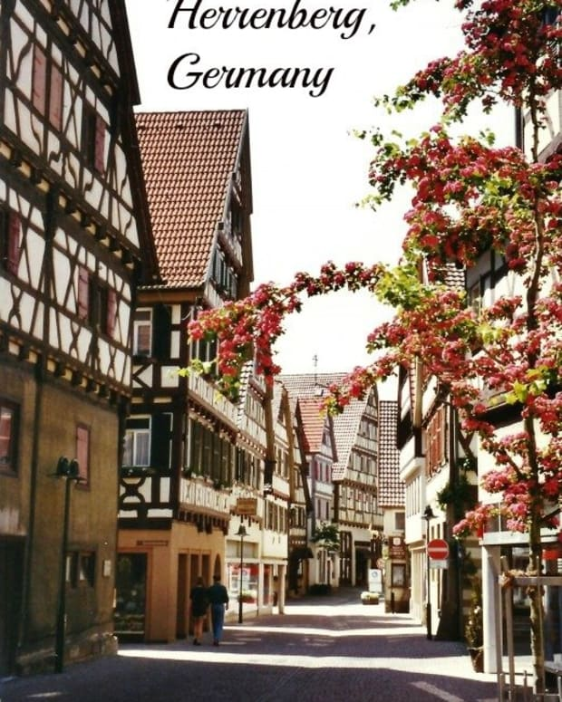 herrenberg-germany-photos-of-13th-century-town-with-historic-church-and-bell-museum