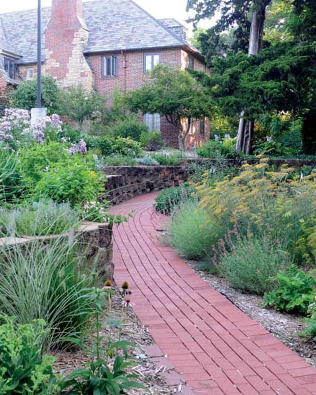 how-to-design-a-sensory-garden-for-the-blind-or-visually-impaired