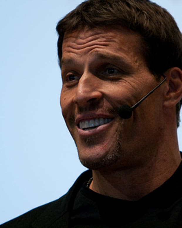 walking-on-hot-coals-with-tony-robbins