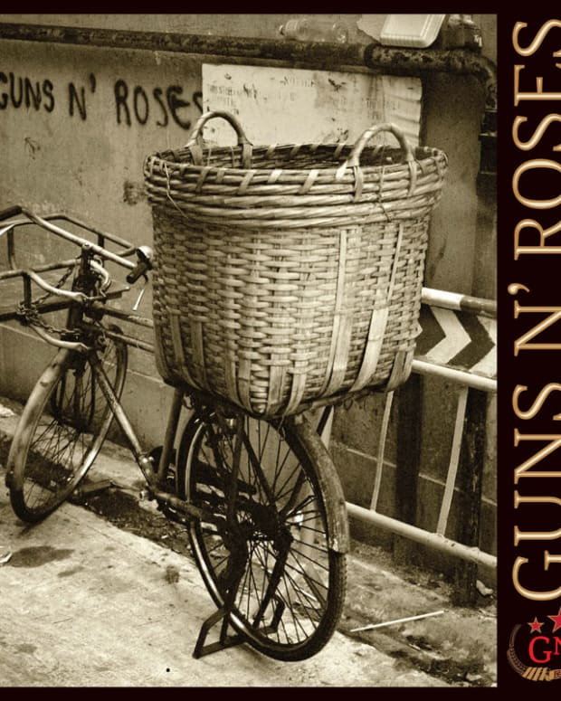 retro-rock-review-guns-n-roses-chinese-democracy-2008