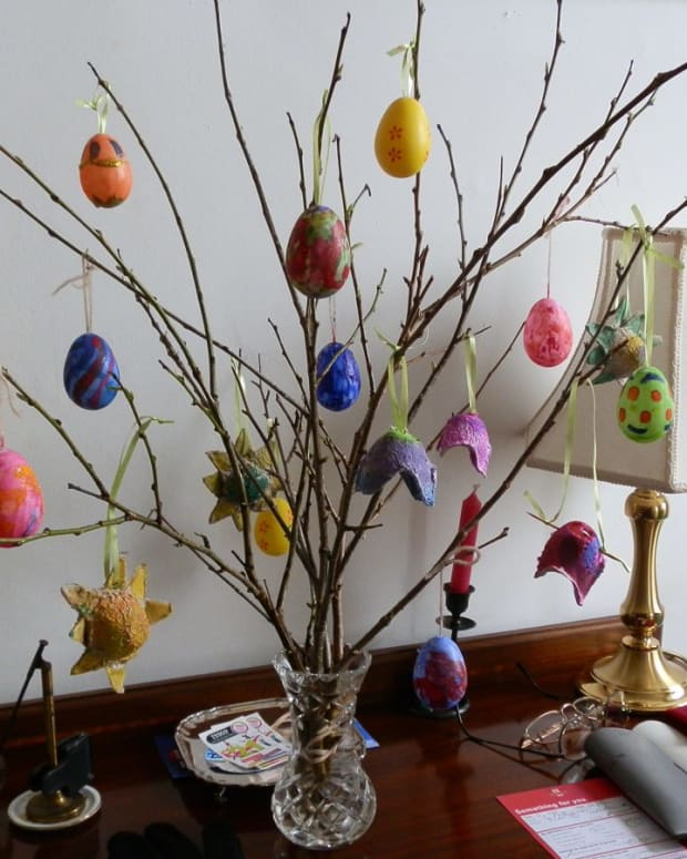 how-to-decorate-child-friendly-plastic-eggs-for-your-easter-tree