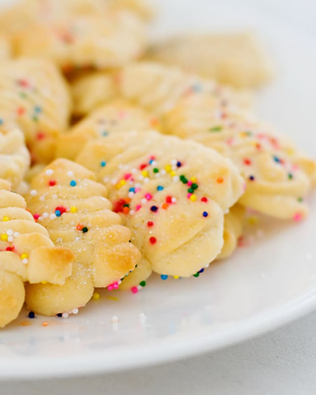 easy-and-delicious-cookie-press-or-spritz-cookie-recipe