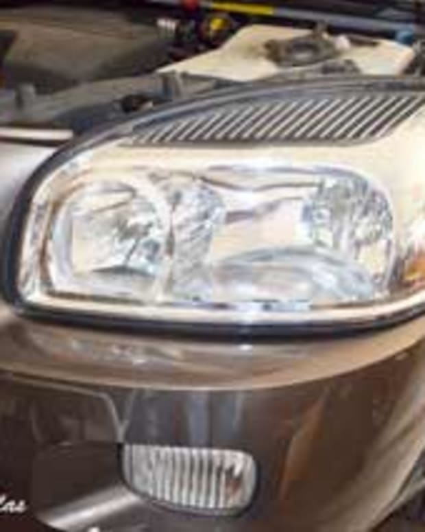 how-to-replace-a-chevy-uplander-headlight
