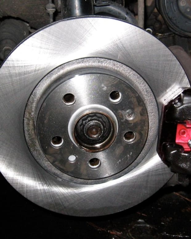 mkiv-jetta-golf-20l-how-to-change-front-brakes-pads-rotors-diy-mk4