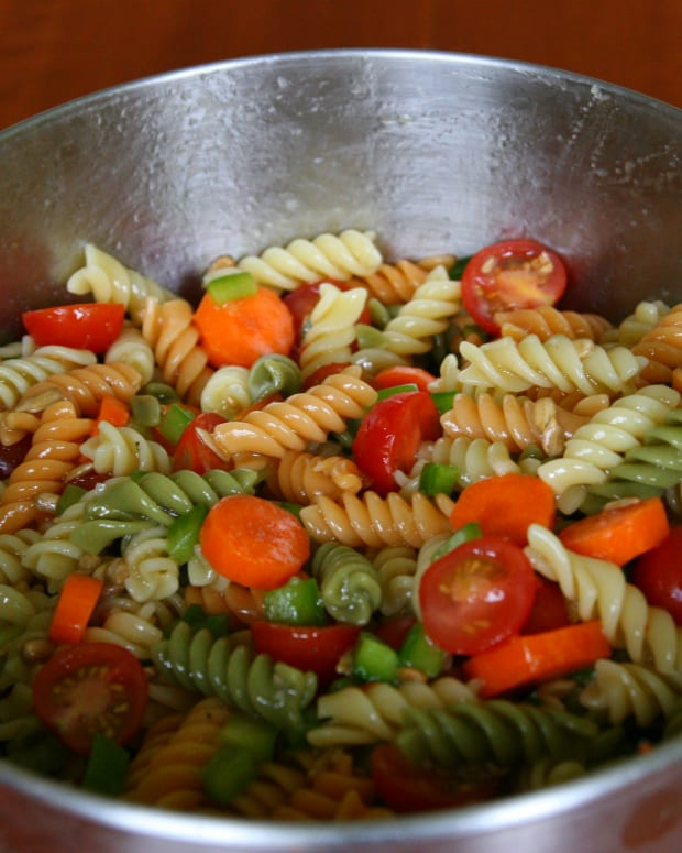 easy-pasta-salad-recipe-with-italian-dressing