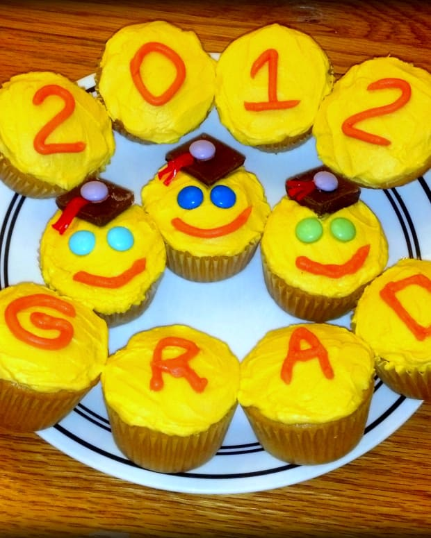 graduation-cupcakes-cupcake-decorating-ideas