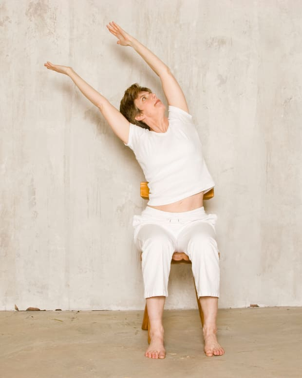 chair-yoga-for-seniors