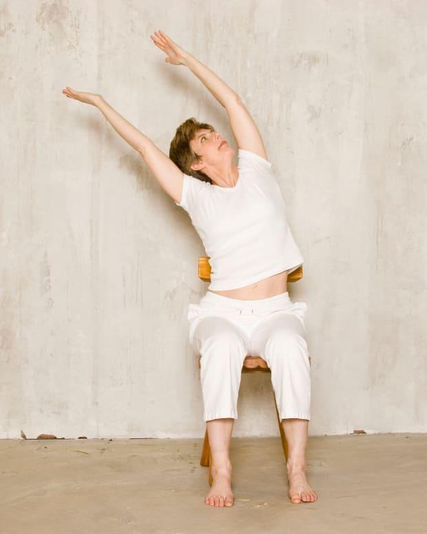 chair-yoga-for-seniors