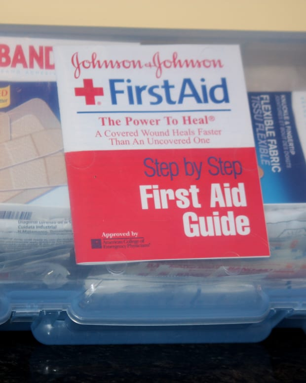 first-aid-kits-essential-elements-to-include