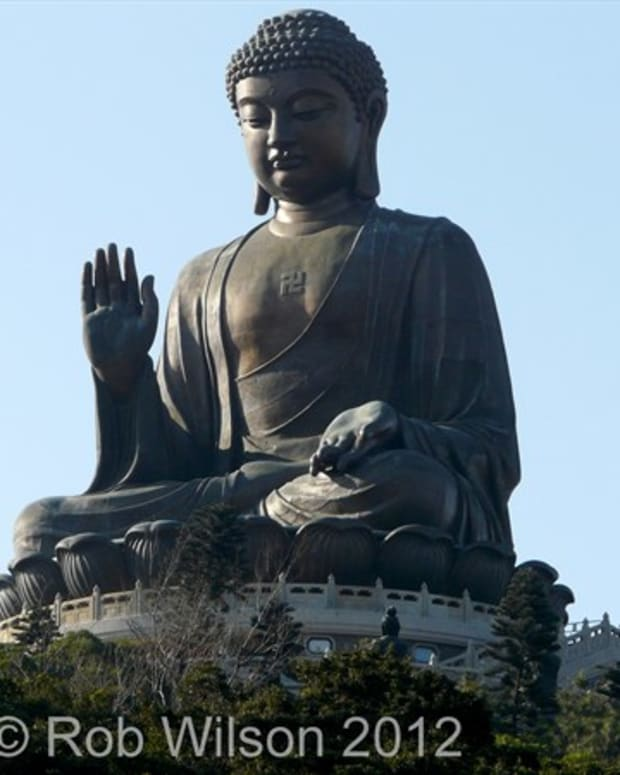 tourist-guide-to-the-big-buddha-in-ngong-ping-tung-chung-hong-kong