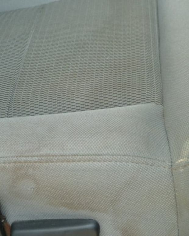 how-to-clean-the-cloth-seats-in-your-car