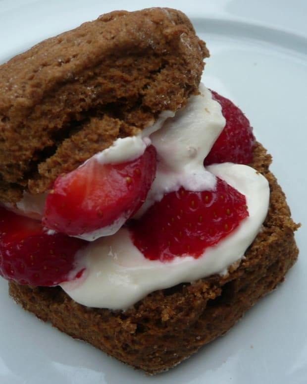 wholemeal-scones-with-molasses