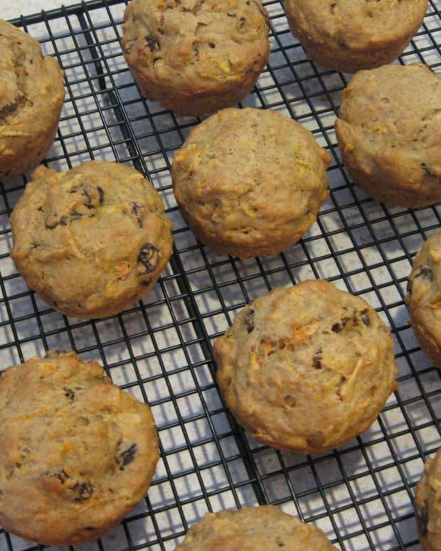 healthy-carrot-breakfast-muffins