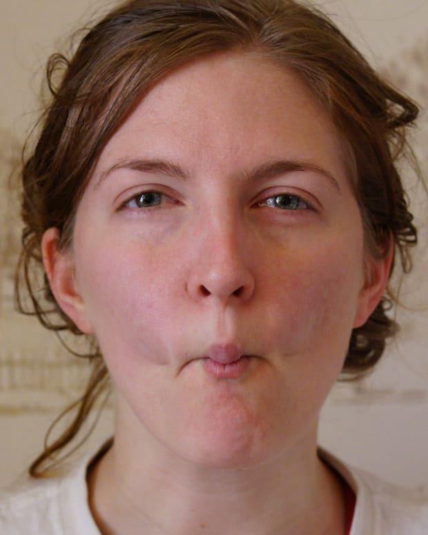 facial-exercises-for-sexy-cheekbones