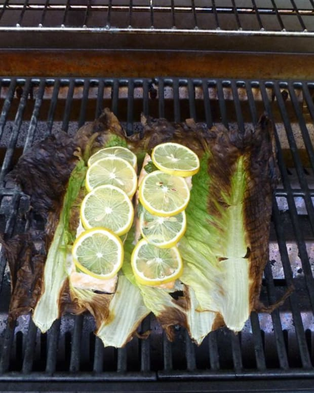 salmon-grilled-on-romaine-lettuce