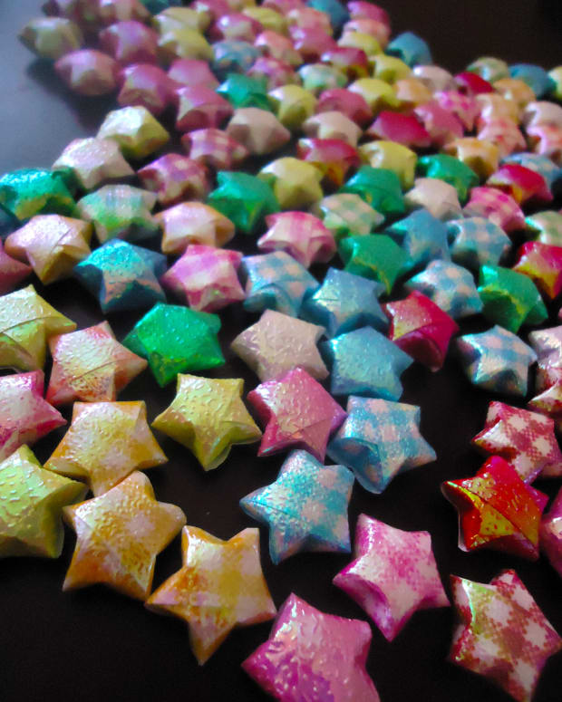 how-to-fold-origami-lucky-stars