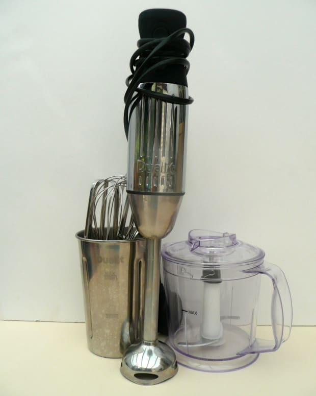 the-best-kitchen-gadget-the-dualit-hand-blender-with-accessories