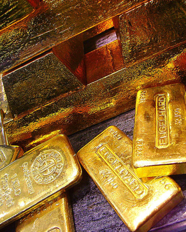 is-it-worth-investing-in-gold-the-pros-and-cons