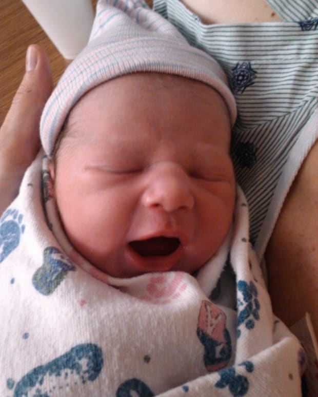 help-my-newborn-wont-sleep-at-night-a-guide-for-new-parents