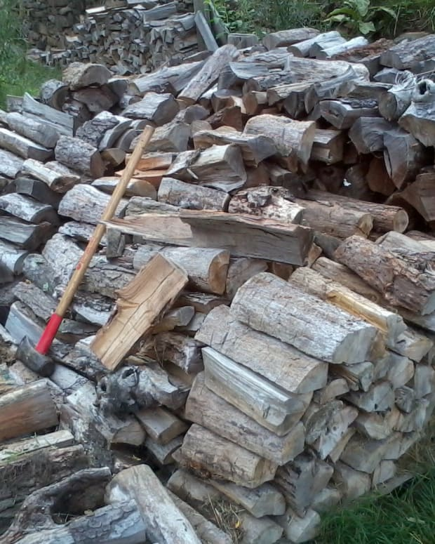 how-to-chop-split-firewood-basics
