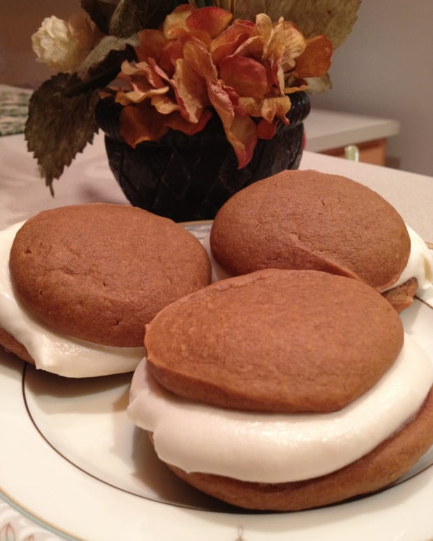 how-to-make-fall-special-by-making-whoopie-or-making-a-special-pumpkin-whoopie-pies-recipe